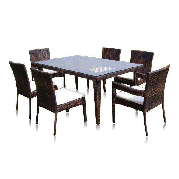 tavolo da pranzo in polyrattan